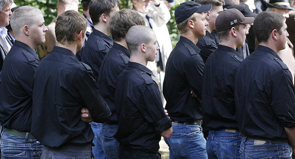 Un grupo de neonazis en Karnburgo, Austria, el 21 de septiembre de 2008