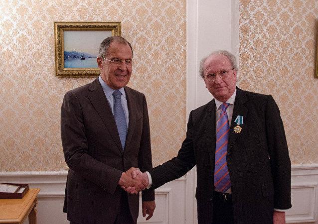 Ministro de Exteriores de Rusia, Serguéi Lavrov, y embajador de España ante el Kremlin, José Ignacio Carbajal Gárate