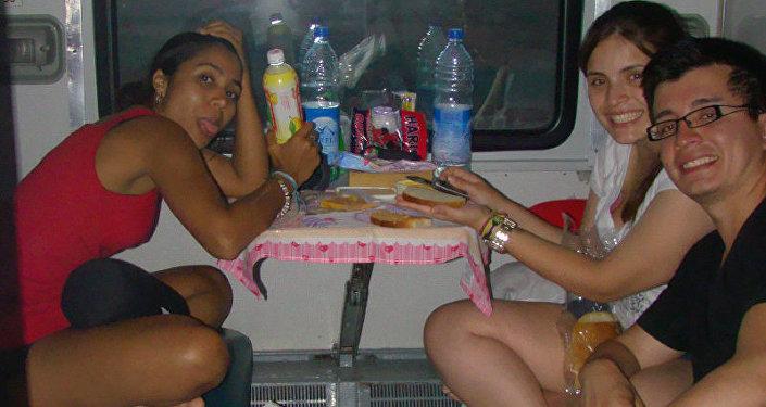Los viajeros suramericanos en un 'kupe' del Transiberiano