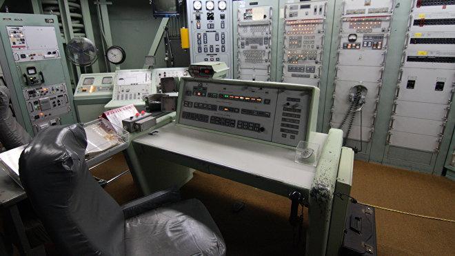Reconstrucción del búnker con el panel de control para el lanzamiento de misiles intercontinentales