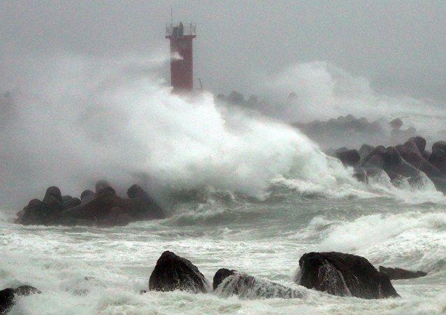 El tifón Chaba en Corea del Sur
