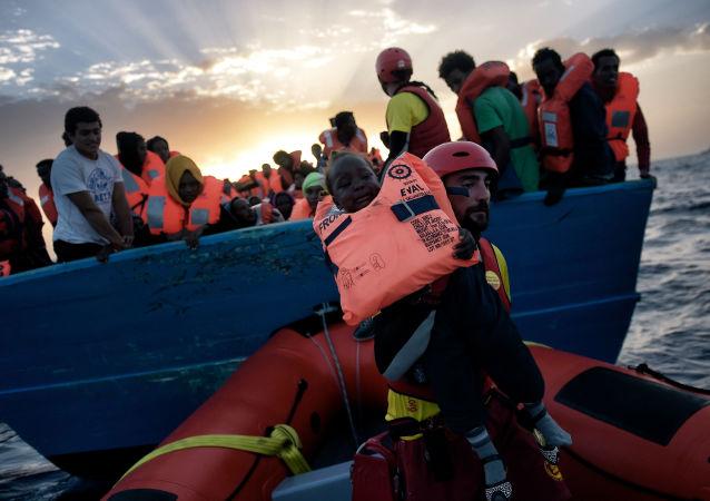 Los migrantes en el mar Mediterraneo
