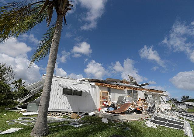 Una casa destruida por el huracàn Matthew, Florida