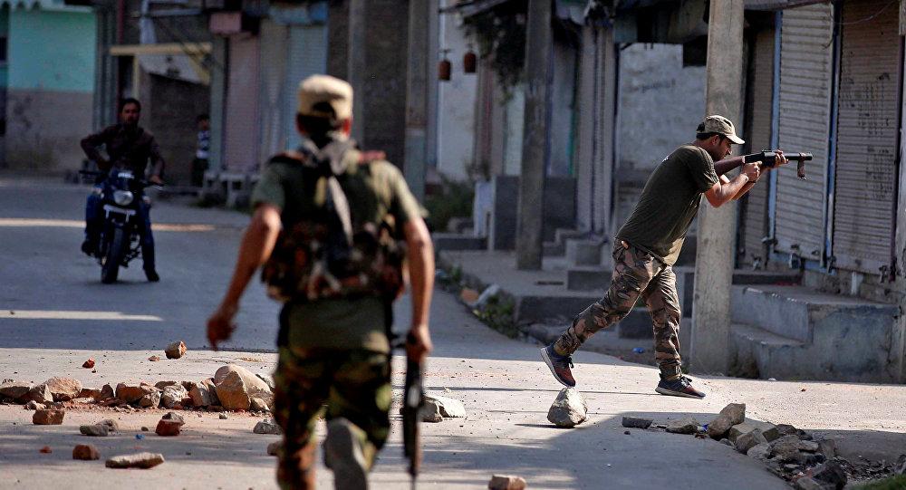 Los policías en Jammu y Cachemira, la India (archivo)