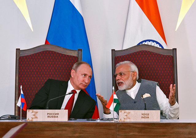 Vladimir Putin, el presidente de Rusia, y Narendra Modi, el primer ministro de la India