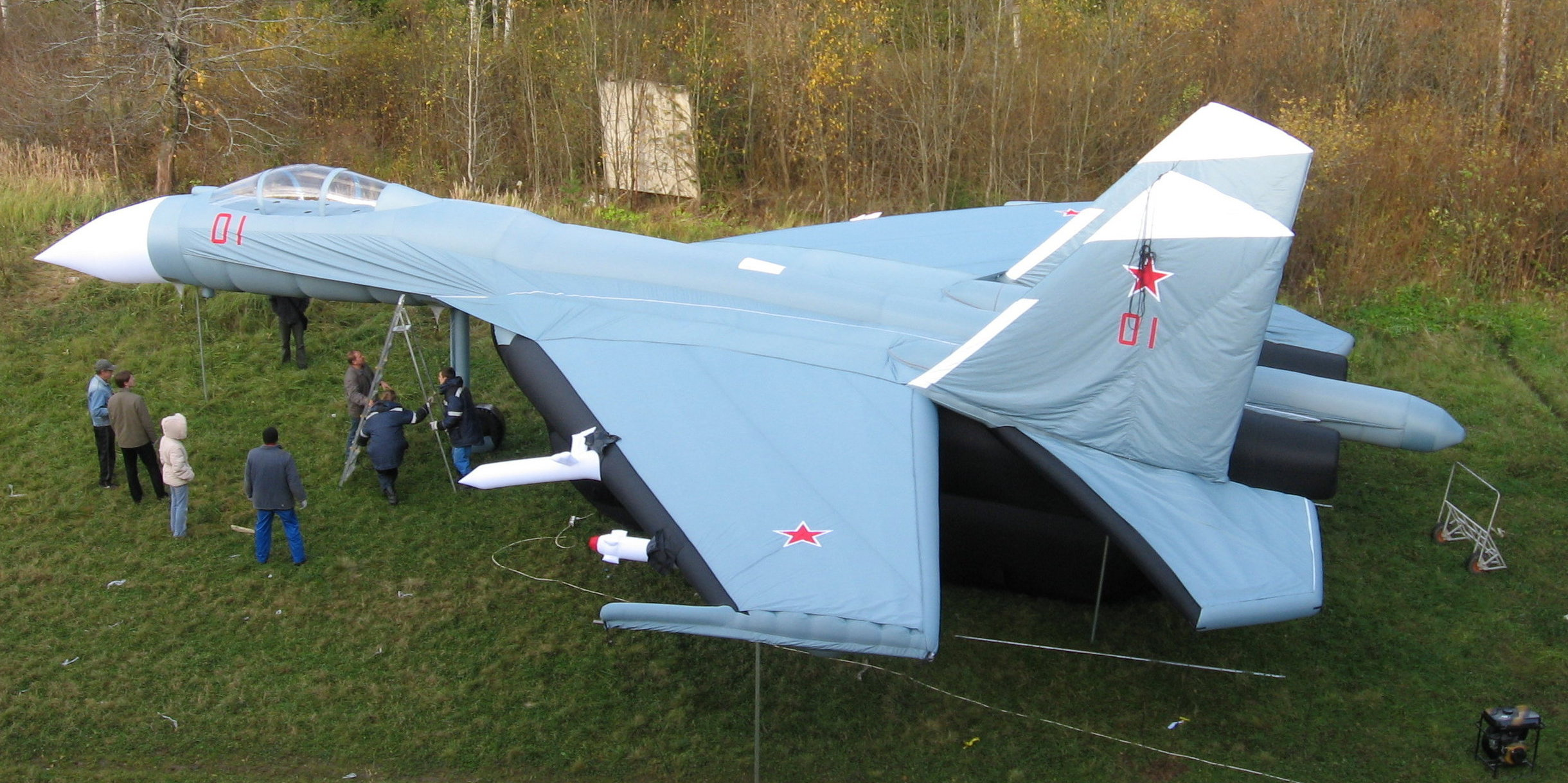 Caza Su-27 inflable