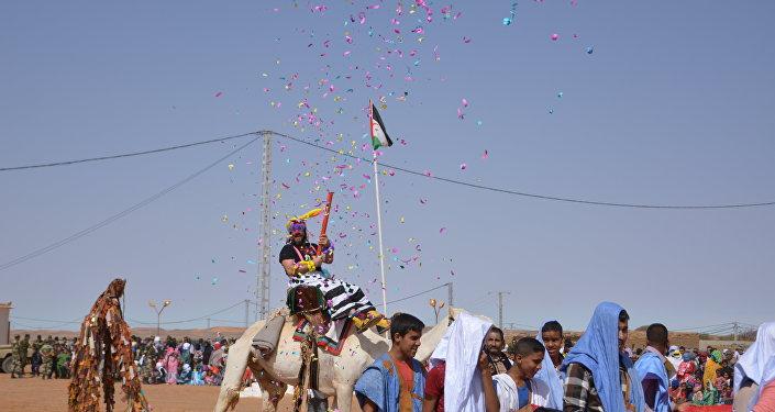 Pallasos en rebeldía en Día de la unidad nacional saharaui