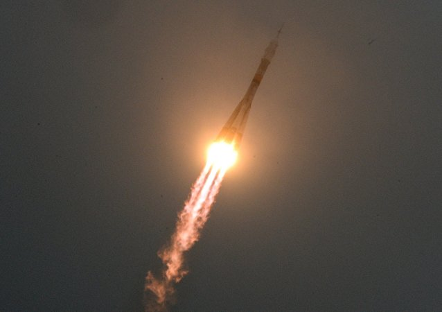 La nave espacial Soyuz MS-02 parte a la EEI (archivo)