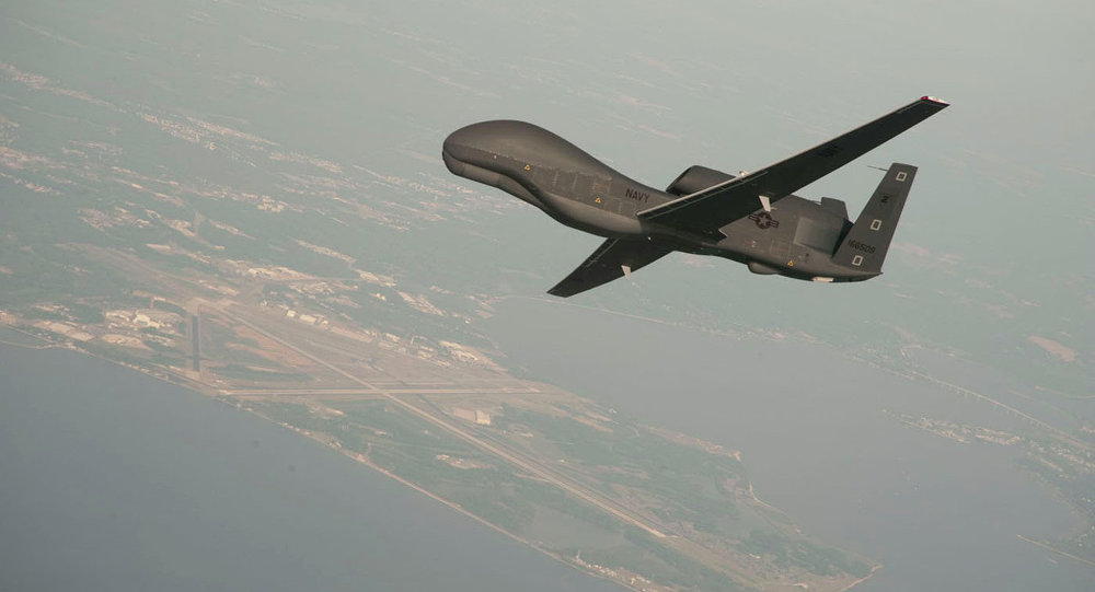 Avión no tripulado de EEUU RQ-4 Global Hawk. Aeronaves de este tipo están desplegadas en la base aérea de Al Dhafra (imagen referencial)