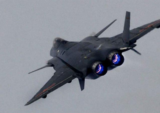 El caza furtivo J-20 chino