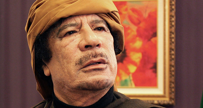 Каддафи тайно объехал Триполи и заявил, что город вне опасности - СМИ