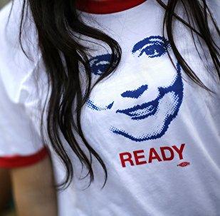 Una camiseta con la imagen de Hillary Clinton