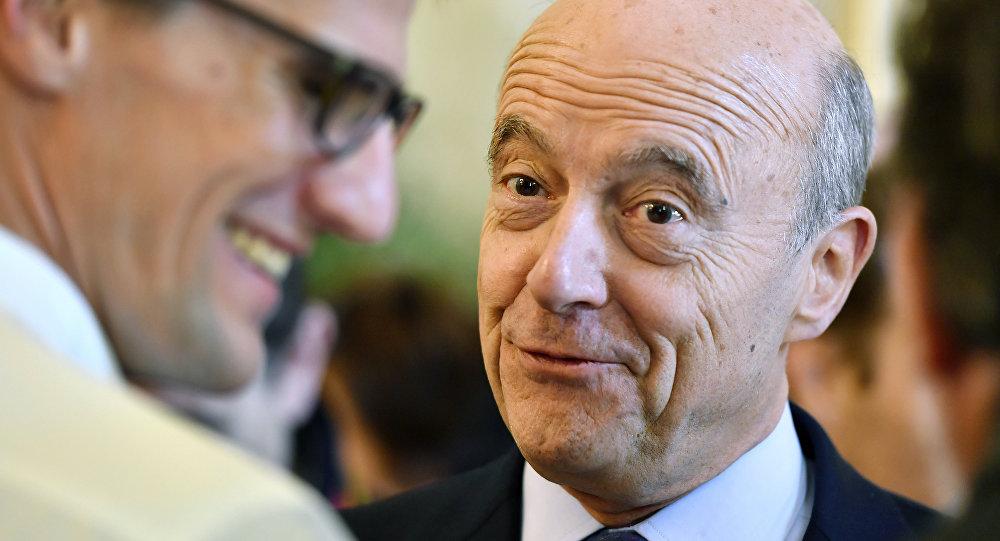 Alcalde y candidato de derecha del partido republicano de Burdeos para la elección presidencial de 2017 Alain Juppé