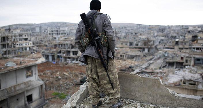 Francotirador kurdo en Kobani (archivo)