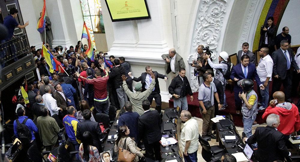 Seguidores de Nicolás Maduro, presidente venezolano