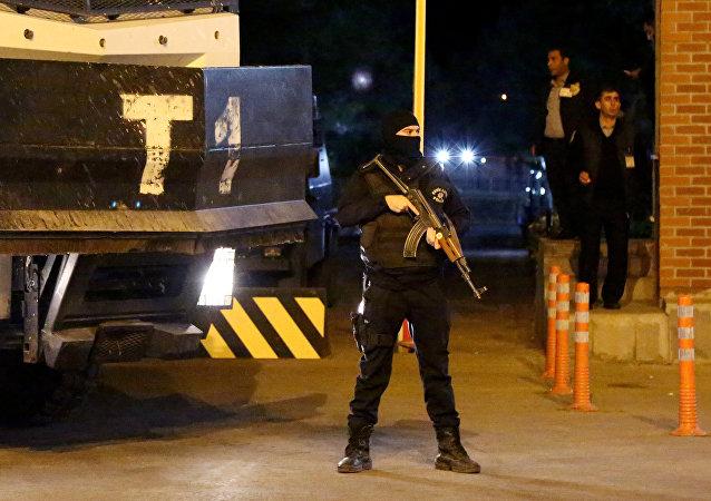 Policía turca detiene a dos coalcaldes de Diyarbakir