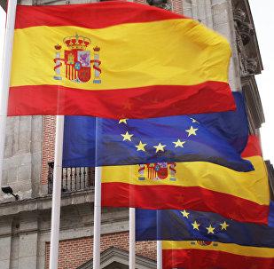 Banderas de España y la UE