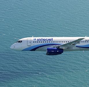 El avión SSJ-100 de la aerolínea mexicana Interjet (archivo)