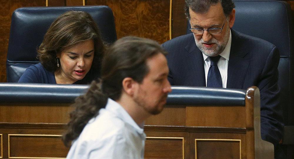 El líder de Podemos, Pablo Iglesias, y el primer ministro del Gobierno en funciones, Mariano Rajoy