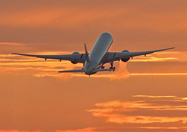 Boeing 777-300 (Archivo)