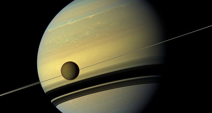 Titán, el mayor de los satélites de Saturno