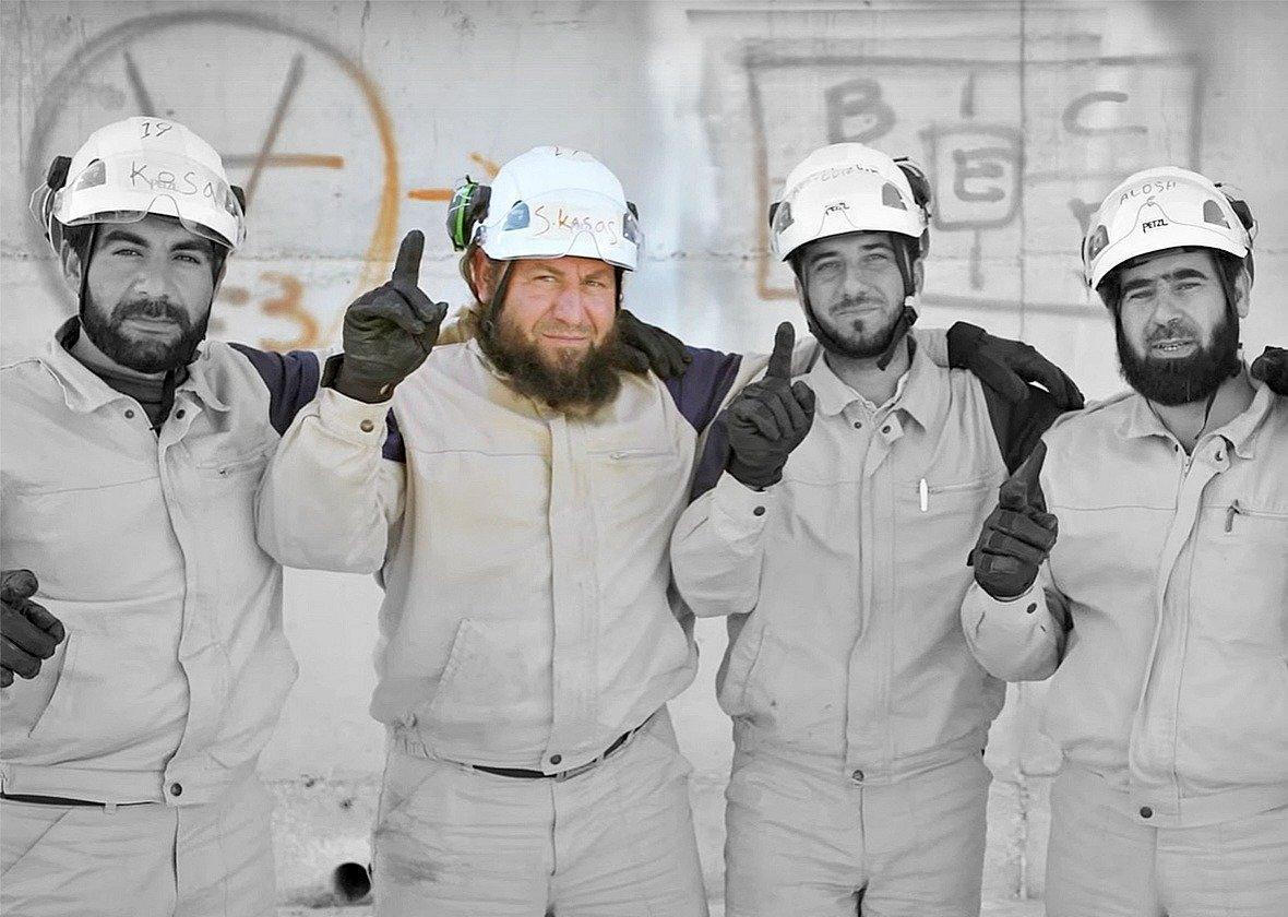 Rescatistas de White Helmets mostrados en el reciente documental de Netflix