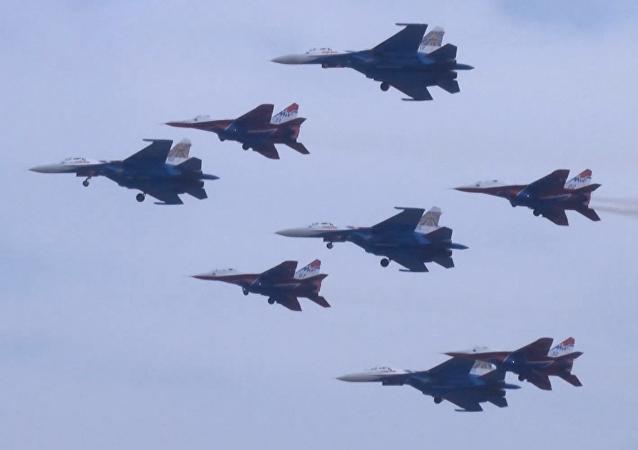 Las piruetas de los cazas rusos en el Airshow de China