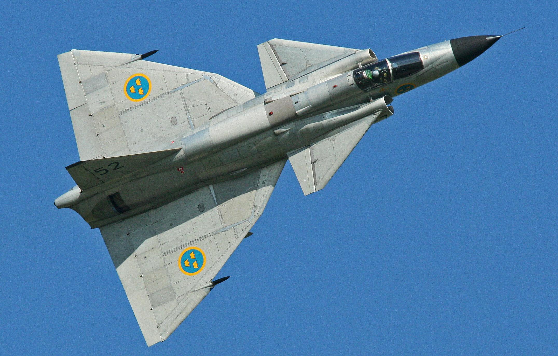 El sueco Saab AJS-37 Viggen, el primer caza moderno de configuración 'canard'