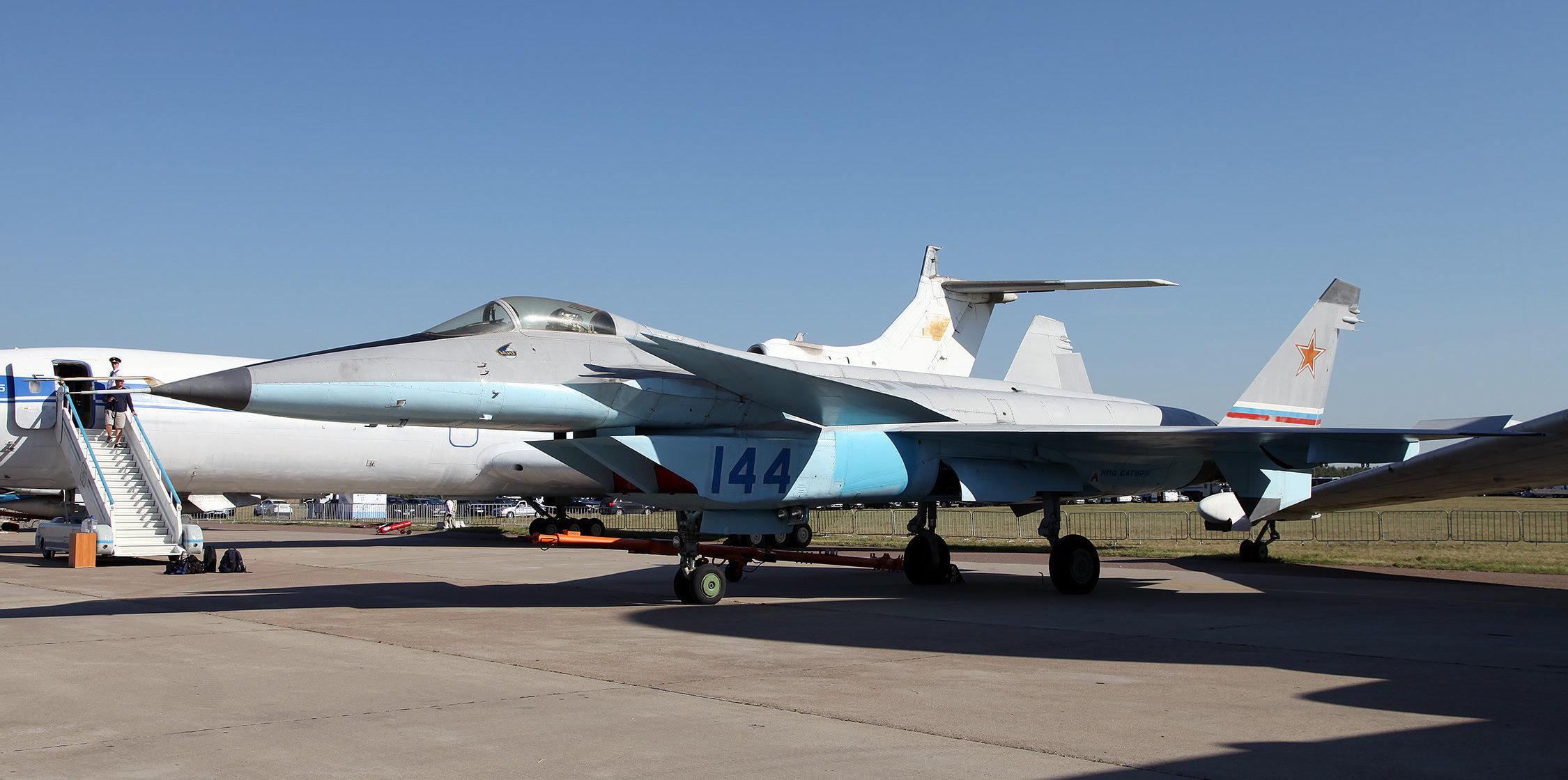 El prototipo del MiG 1.44 durante la feria aeroespacial MAKS-2015