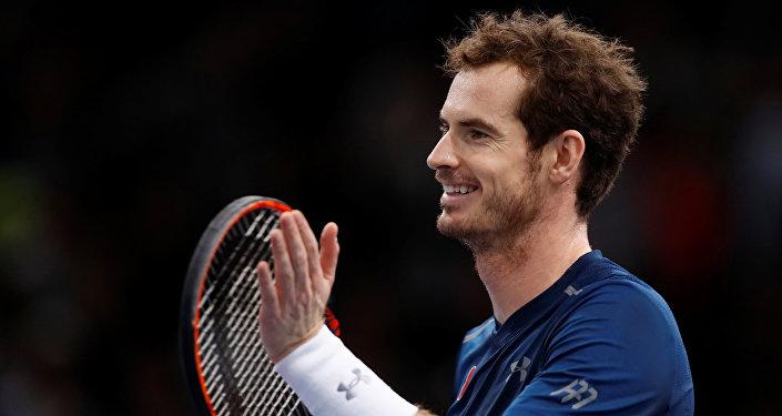 El tenista Andy Murray corrige el desliz sexista de un periodista en Wimbledon