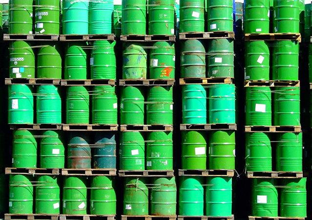 Barriles de petróleo (archivo)