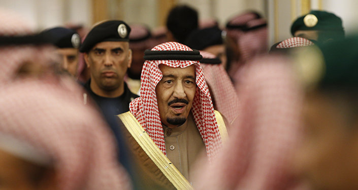 Incertidumbre en OPEP tira precios del petróleo
