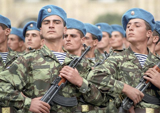Soldados del Ejército armenio (archivo)