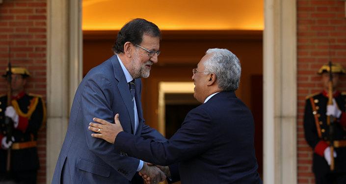 El presidente del Gobierno español, Mariano Rajoy con su homólogo portugués, António Costa