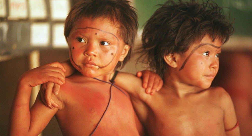 Niños yanomamis (archivo)
