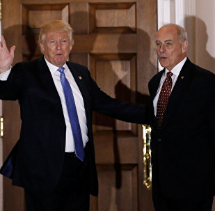 Presidente de EEUU, Donald Trump, y el secretario del Departamento de Seguridad Nacional, John Kelly (archivo)