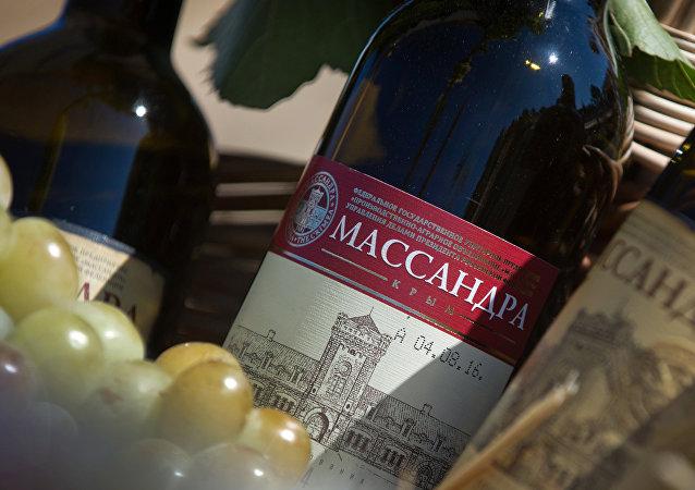 Una botella de vino Massandra