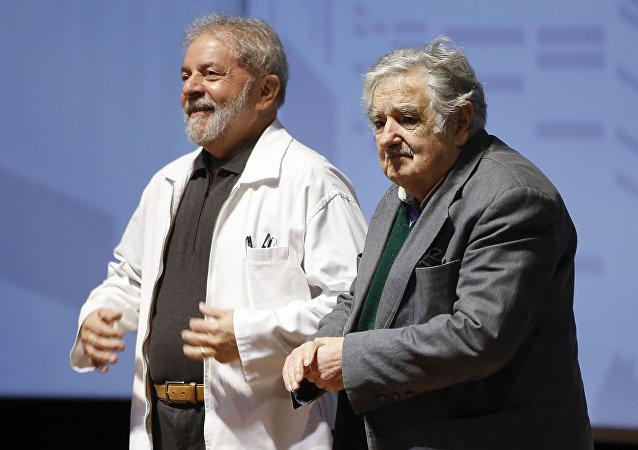 José Mujica, expresidente uruguayo, y Luis Inacio Lula da Silva, expresidente brasileño (archivo)