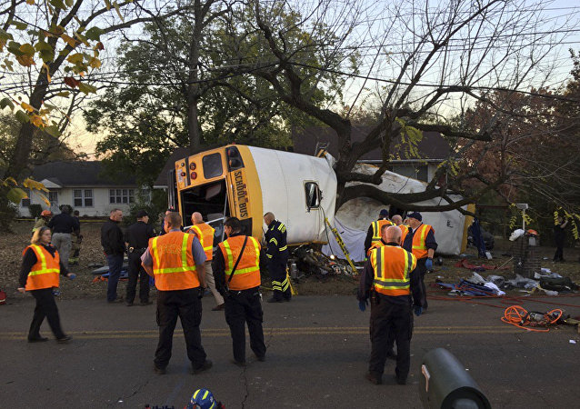 El lugar de accidente del autobus en Tennessee