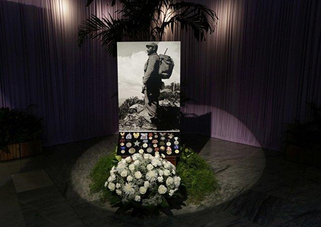 La gente rinde homenaje a Fidel Castro en La Havana