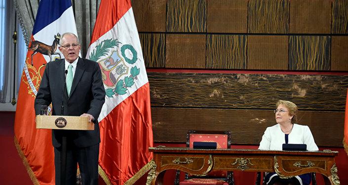 El presidente peruano Pedro Pablo Kuczynski durante la visita oficial en Chile