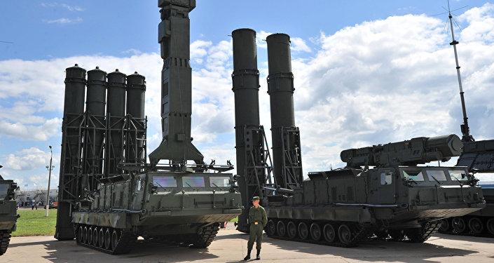 Sistemas antimisiles S-300V y S-300VM (archivo)
