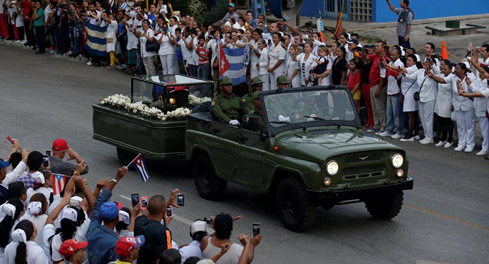 La caravana con las cenizas de Fidel Castro termina su recorrido en Santiago de Cuba
