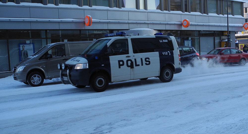 Alcaldesa y dos periodistas asesinadas — Finlandia