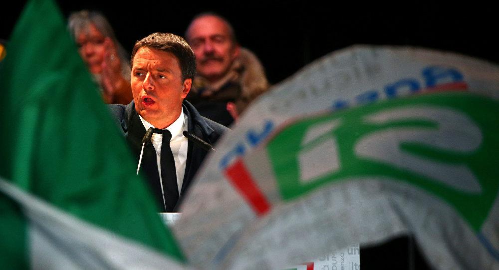 Matteo Renzi, el primer ministro de Italia, agita por sí