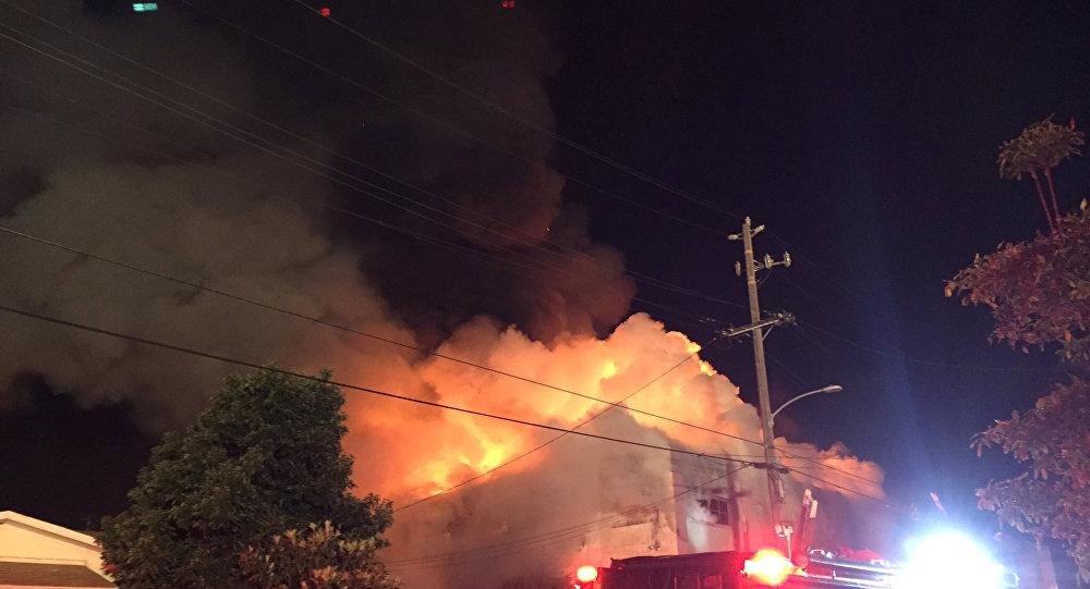 Un incendio en Oakland, estado de California, EEUU