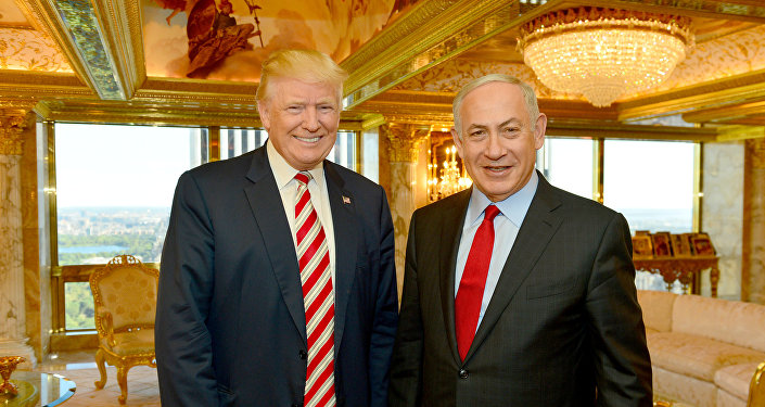 Israeli Prime Minister Benjamin Netanyahu (R) stands next to Republican U.S. presidential candidate Donald Trump during their meeting in New York, September 25, 2016.