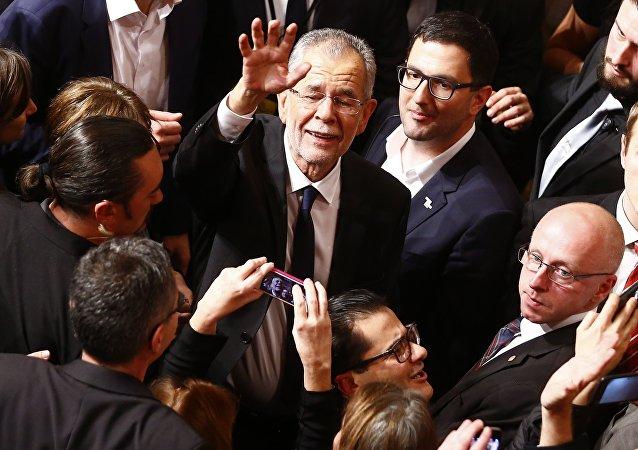 Alexander Van der Bellen, presidente elegido de Austria