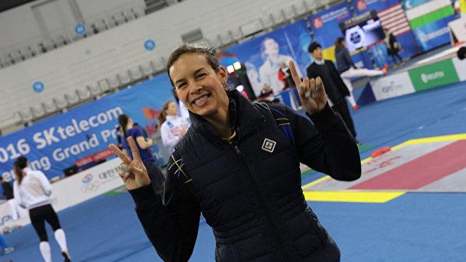 Alejandra Benítez, profesional de la esgrima