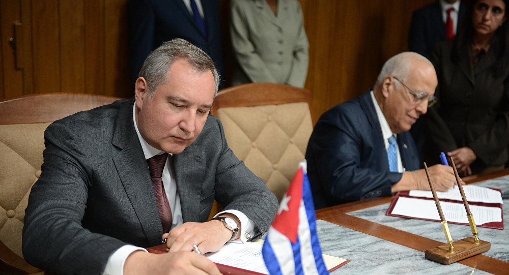 Dmitri Rogozin, el vice primer ministro de Rusia, durante su visita a Cuba